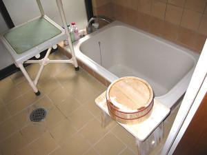 Bathtub in a barrier-free room